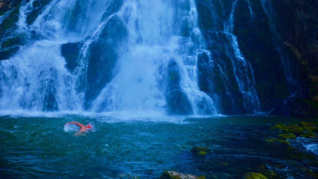 Wildes Baden im Gollinger Wasserfall ist sehr reizvoll, sollte aber mit der nötigen Vor- und Umsicht angegangen werden.