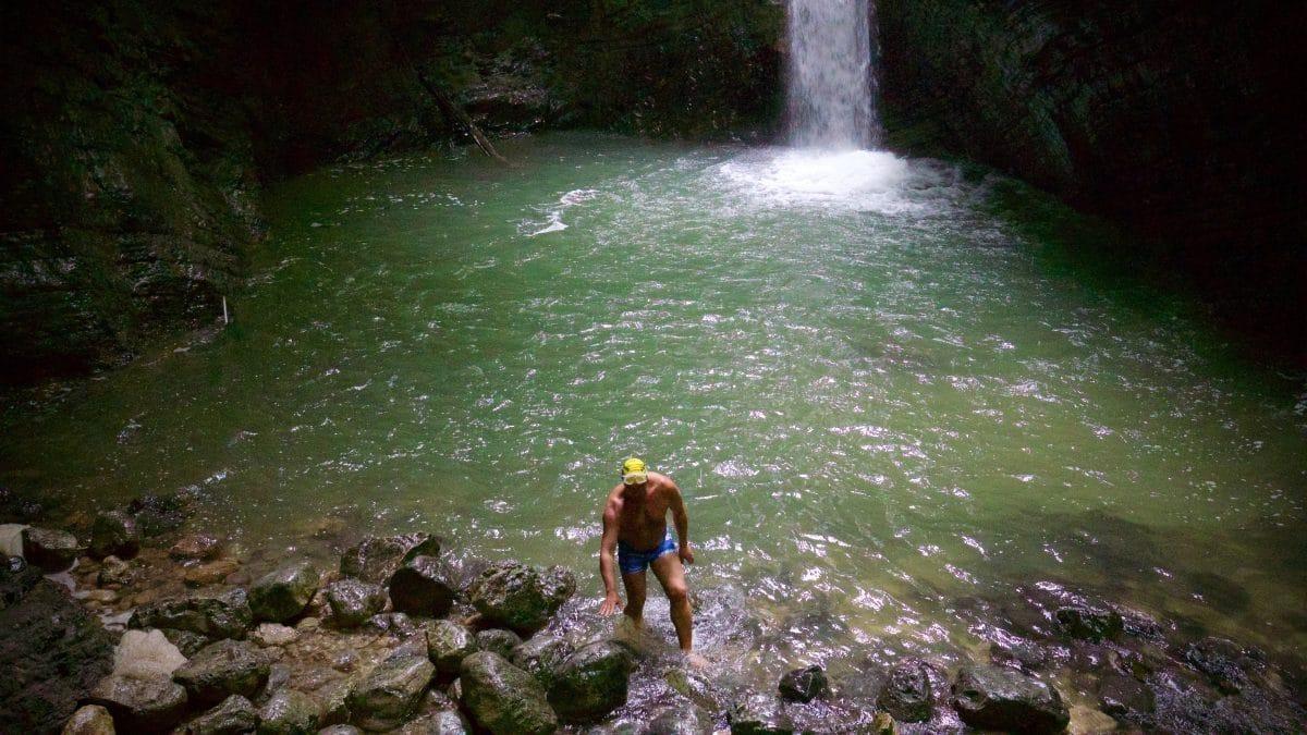 Das Schwimmen im Wasserfalltopf des Kozjak ist reizvoll aber nicht ganz ohne !