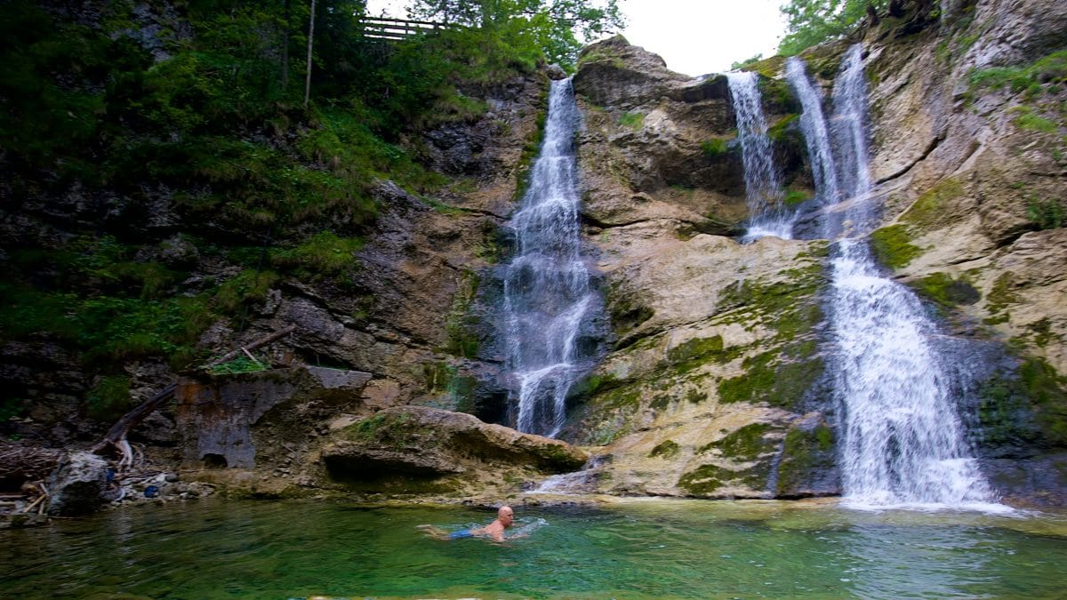 Wilddipping in the Fischbach waterfall