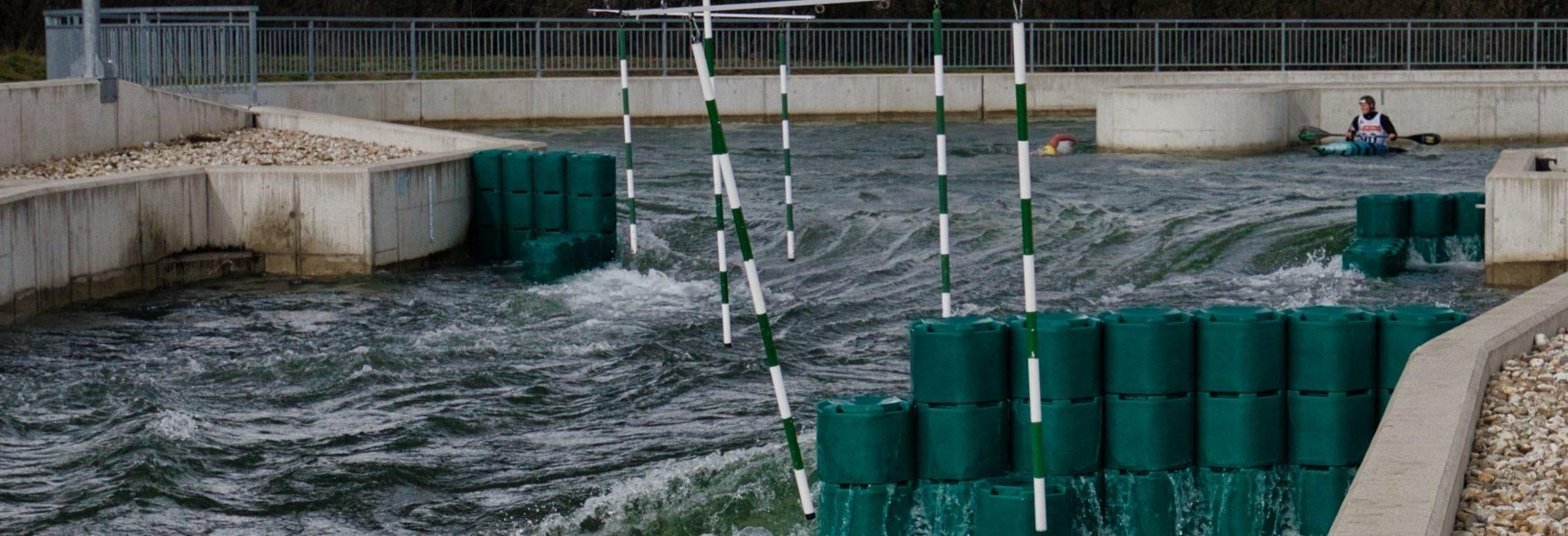 """Den Wildwasserkanal auf der Wiener Donauinsel nutzen bisher fast ausschließlich Kajakfahrer und Rafter. Aber nicht mehr lange, denn die Devise heißt """"swim the channel""""."""